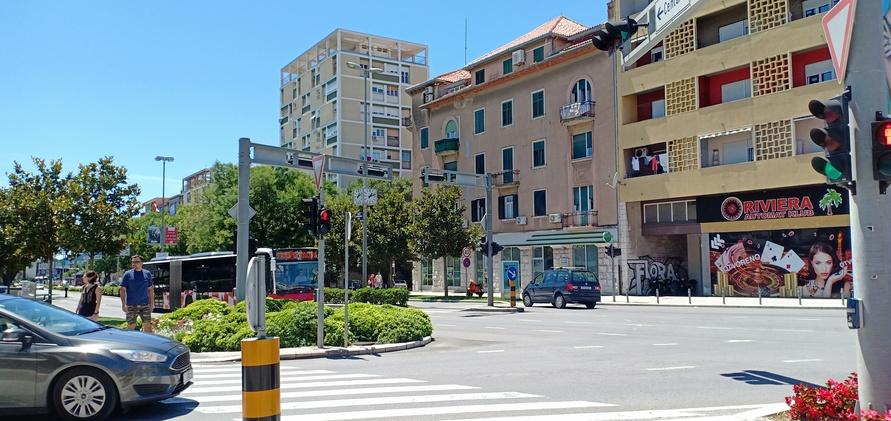 jalan di kota Split modern, Kroasia