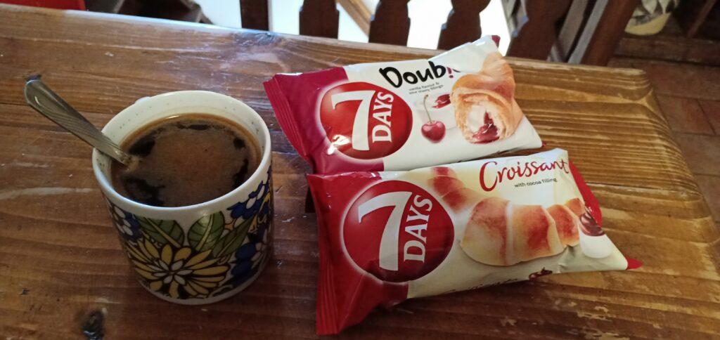 Breakfast-7dayscroiscant-Cesky-Krumlov-Ceko